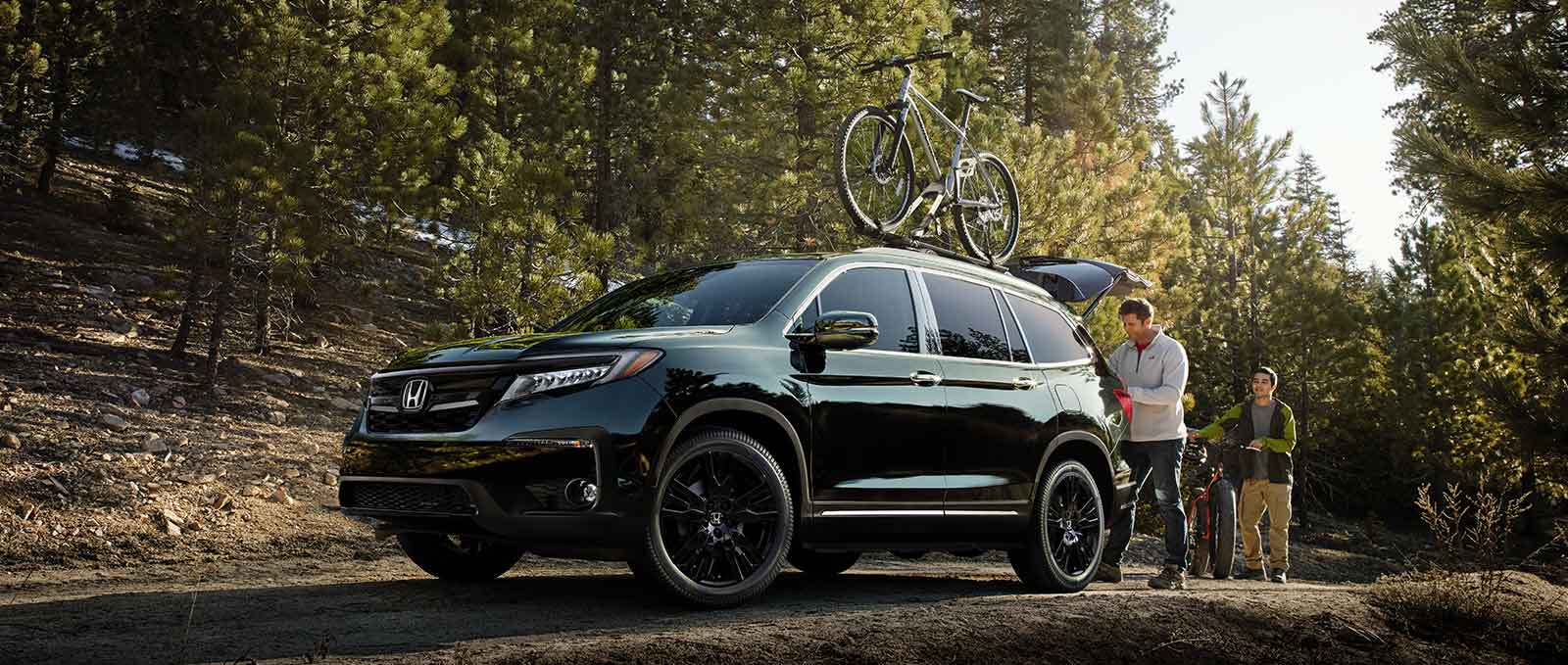 Honda Crossover Model Exterior Lifestyle Photo