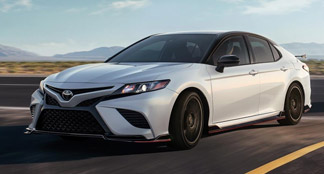 2020 Toyota Camry Hybrid Lifestyle Photo