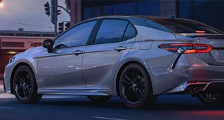 2021 Toyota Camry Hybrid Lifestyle Photo