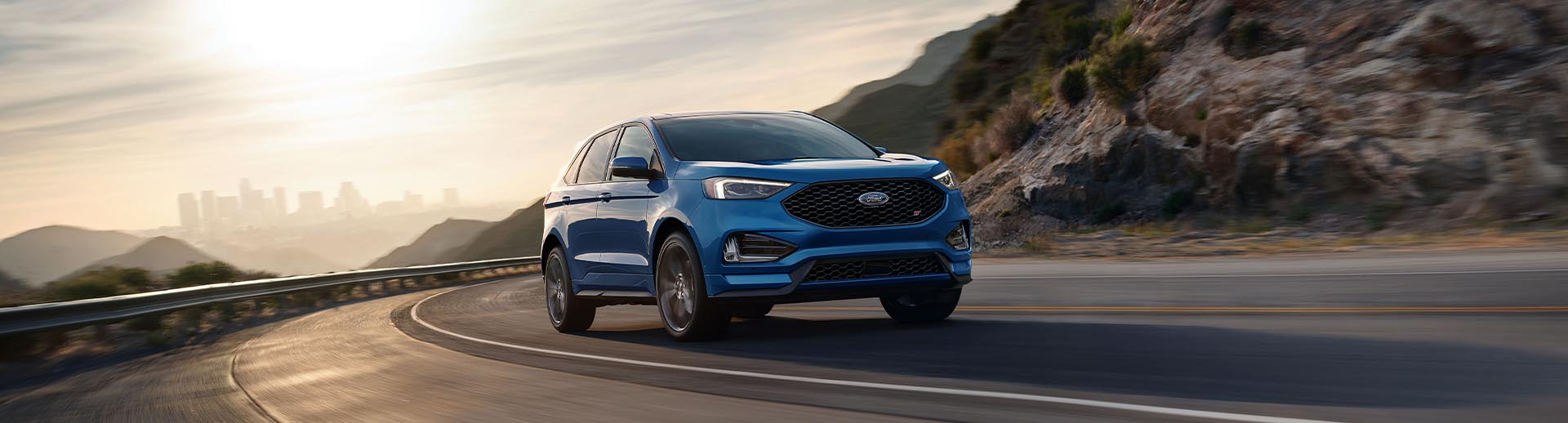 2020 Ford Edge Lifestyle Photo